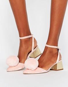 Туфли на среднем каблуке с помпонами ASOS SAUCY - Розовый