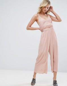 Комбинезон с широкими штанинами и оборкой ASOS - Розовый