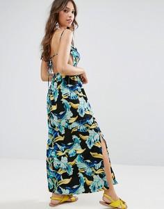 Платье макси с ярким тропическим принтом и поясом ASOS - Мульти