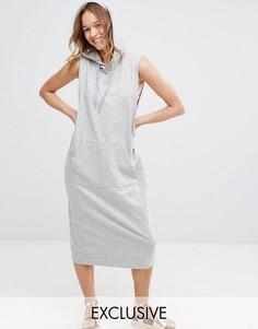 Трикотажное платье без рукавов с капюшоном Monki - Серый