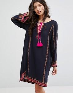 Платье с вышивкой Star Mela Valeska - Мульти