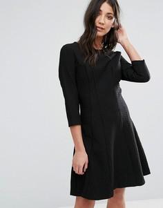 Короткое приталенное платье с рукавами 3/4 Lavand - Черный
