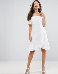 Платье мини с открытыми плечами и оборками ASOS - Белый