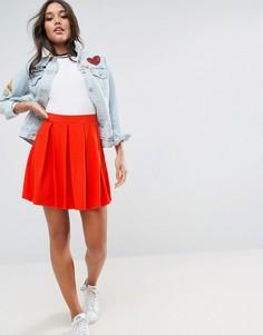 Расклешенная мини-юбка со складками ASOS - Красный