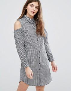 Платье-рубашка в клеточку с открытыми плечами New Look - Черный