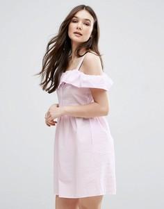 Короткое приталенное платье с оборками QED London - Розовый
