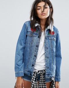Свободная джинсовая куртка на искусственной подкладке с аппликациями роз Santa Cruz - Синий