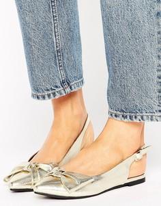 Туфли цвета металлик с бантом и ремешком через пятку New Look - Золотой