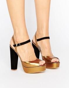 Кожаные сандалии на платформе и каблуке Terry de Havilland Coco - Черный