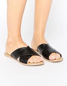 Кожаные сандалии на плоской подошве London Rebel - Черный