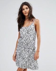 Платье-комбинация с принтом листьев See U Soon - Серый