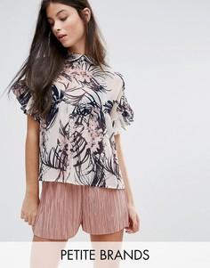 Блузка с тропическим принтом и оборками на рукавах Boohoo Petite - Мульти