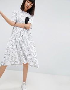 Платье миди с асимметричным краем и принтом лиц ASOS WHITE - Мульти