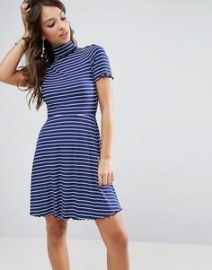 Короткое приталенное платье в полоску и рубчик с высоким воротником ASOS - Мульти