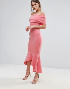 Платье с открытыми плечами и баской Club L - Розовый