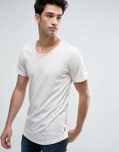 Длинная футболка в крапинку с асимметричным краем Jack & Jones Originals - Кремовый