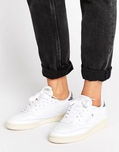 Бежевые кроссовки с серой вставкой Reebok Vintage Club C - Белый