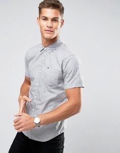 Серая рубашка классического кроя с короткими рукавами и логотипом на кармане Tommy Hilfiger Denim - Серый