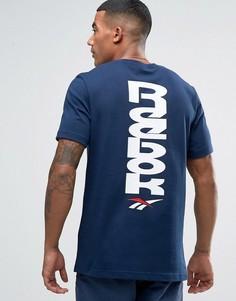 Темно-синяя футболка с принтом в стиле 90-х Reebok BK6575 - Темно-синий