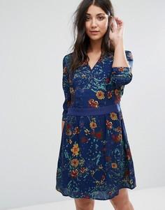 Короткое приталенное платье с принтом и длинными рукавами Lavand - Синий