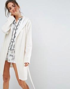 Трикотажный халат с флисовой подкладкой ASOS - Кремовый