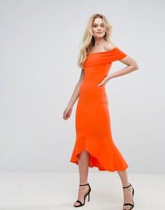 Платье с открытыми плечами и баской Club L - Оранжевый
