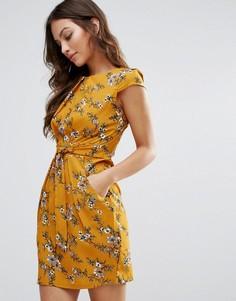 Платье-тюльпан с принтом QED London - Желтый