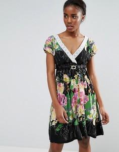 Короткое приталенное платье с цветочным принтом Pussycat London - Черный