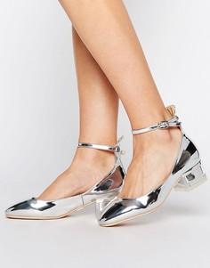 Серебристые туфли на среднем каблуке с ремешком на щиколотке Lost Ink - Серебряный