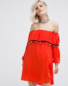 Платье с открытыми плечами и отделкой помпонами Glamorous - Красный