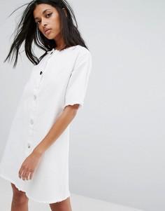 Джинсовое платье на пуговицах с необработанным краем Liquor & Poker - Белый