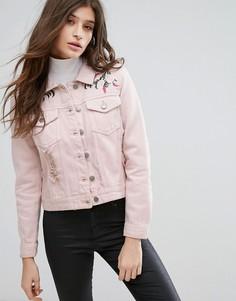 Розовая джинсовая куртка с потертой отделкой и вышивкой Influence - Розовый