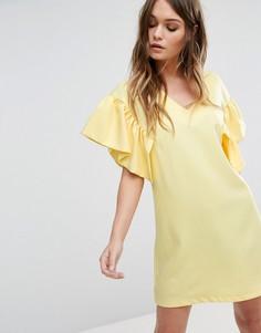 Цельнокройное платье с рукавами-оборками Boohoo - Желтый