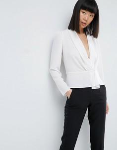 Блузка с присборенными плечами, глубоким вырезом и запахом ASOS - Белый