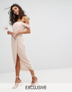Платье миди с плиссированным лифом и запахом TFNC WEDDING - Розовый