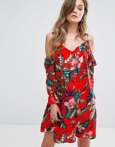 Свободное платье с принтом и открытыми плечами Miss Selfridge - Мульти