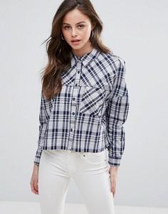 Укороченная рубашка в клетку QED London - Синий