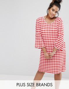 Клетчатое платье с рукавами клеш Pink Clove - Красный