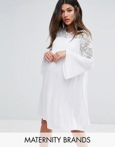Свободное платье с расклешенными рукавами и кружевными вставками Bluebelle Maternity - Белый