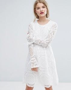 Свободное премиум-платье с кружевом и рукавами клеш Vila - Белый