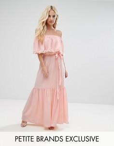 Платье макси с открытыми плечами, 3D-розами и шлейфом John Zack Petite - Розовый
