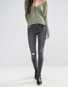 Винтажные джинсы скинни с рваной отделкой на коленях Brave Soul - Серый