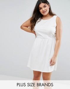 Короткое приталенное платье без рукавов с отделкой кроше Junarose - Белый