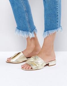 Кожаные сандалии с бантиком ASOS FOGGY - Золотой