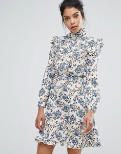 Платье с высоким воротом, оборками и принтом Boohoo - Мульти