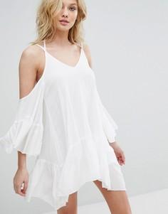 Платье из жатого хлопка с открытыми плечами Missguided - Кремовый
