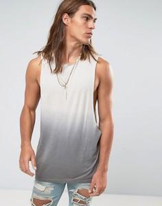 Длинная фактурная футболка без рукавов с углубленной проймой и эффектом деграде ASOS - Серый
