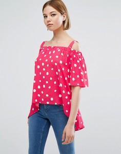 Асимметричный топ в горошек с открытыми плечами Closet London - Розовый