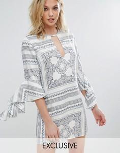 Платье с оборками на рукавах и принтом Missguided - Белый