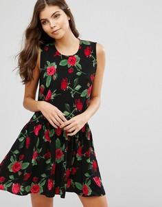 Короткое приталенное платье с цветочным принтом Ax Paris - Черный